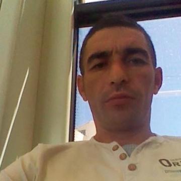 Virgil Daniel, 37, Valencia, Spain