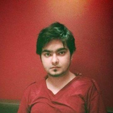 Azzy, 27, Dubai, United Arab Emirates