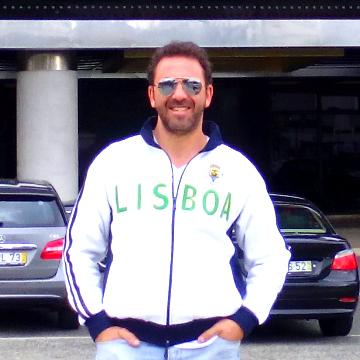 Daniel Villa, 42, Burgos, Spain
