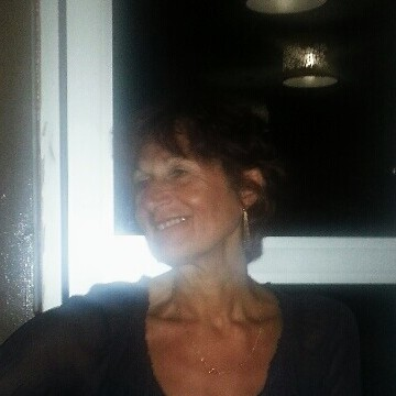 PASCALE, 60, Lyon, France