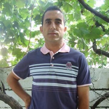 Nurullah Yenilmez, 42, Izmir, Turkey