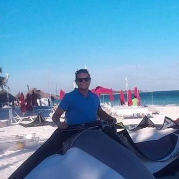 Saúl Velasco, 38, Playa Del Carmen, Mexico