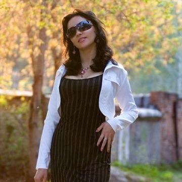 Elena, 32, Novosibirsk, Russia