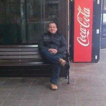 leonardo lucas, 49, Toronto, Canada
