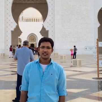 Mujtaba, 31, Dubai, United Arab Emirates