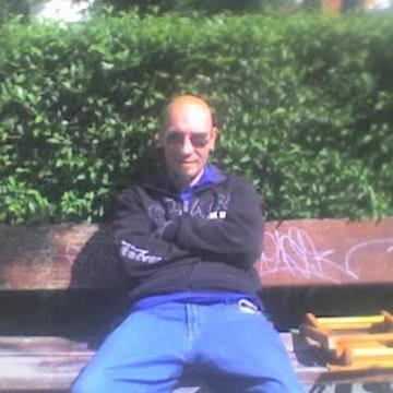 Lobo Solitario, 37, Madrid, Spain