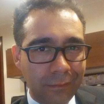 Rodrigo Fuentes, 38, Santiago, Chile