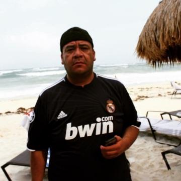 CARLOS DURAN, 39, Leon, Mexico