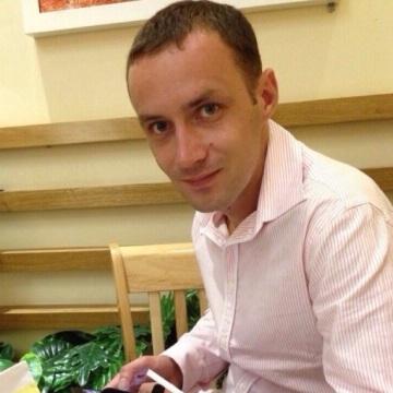 Evgenii Larionov, 32, Phnumpenh, Cambodia