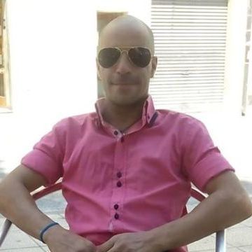 Roger Vila, 38, Valls, Spain