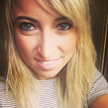 Emily, 26, Ottawa, Canada