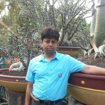 mukesh, 34, Delhi, India