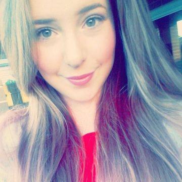 Kayla Olver, 23, Adelaide, Australia