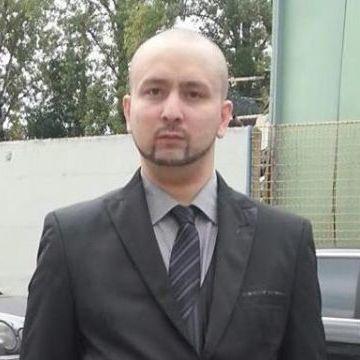 Baba Babayasin, 31, Linz, Austria