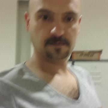 Bir Adam, 39,