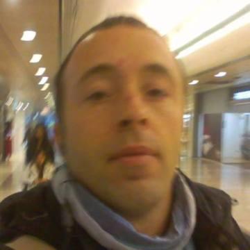 Mo Rra, 41, Leuven, Belgium