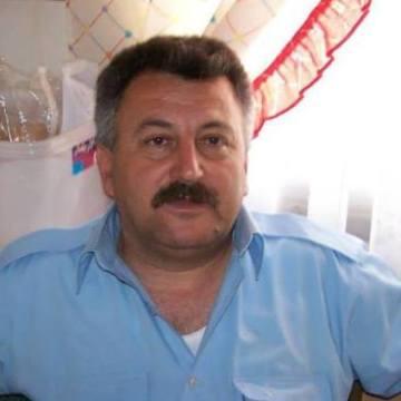 Esref Ekinek, 58, Izmir, Turkey