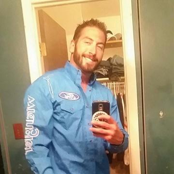 Andrew , 29, Caltagirone, Italy