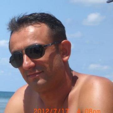 Mesut Mesut, 42, Mersin, Turkey