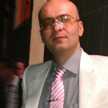 Omid Safari, 40, Rasht, Iran