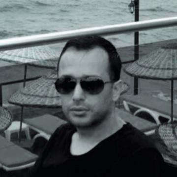 Serdar Ozturk, 36, Istanbul, Turkey