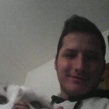 alessandro, 24, Enna, Italy