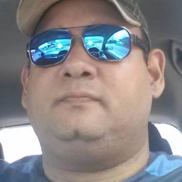 Ariel, 42, Aguadilla, Puerto Rico