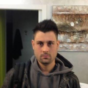 Daniele Valentini, 32, Milano, Italy