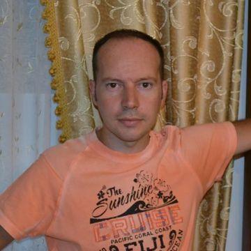 Giovanni Lisi, 36, Bari, Italy