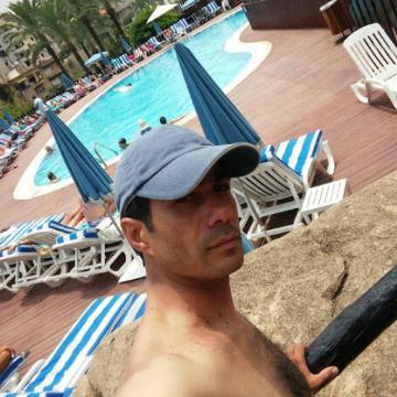Ali m g , 46, Beyrouth, Lebanon