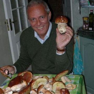 Giulio Cesare, 56, Milano, Italy