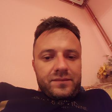 Andi, 34,