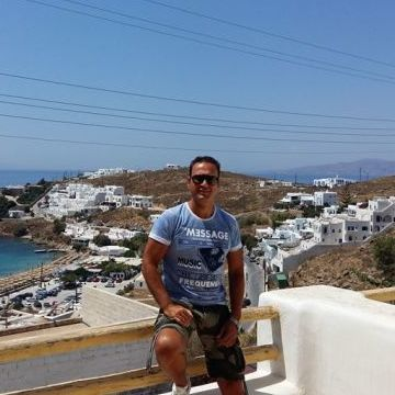 martel, 42, Athens, Greece