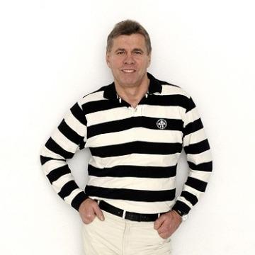 József , 50, Budapest, Hungary