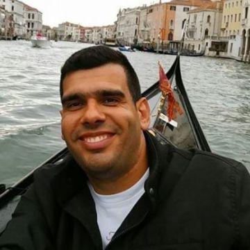 Carlos, 31, Angra, Portugal