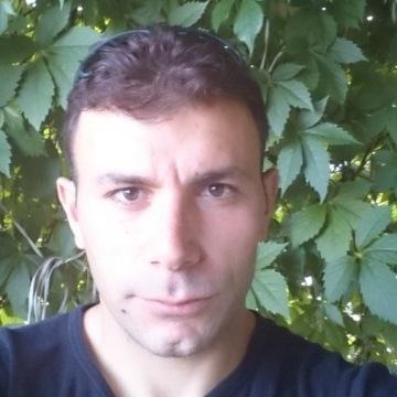 Yasin, 30, Antalya, Turkey