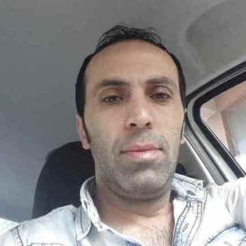 Cumhur Keskin, 36, Istanbul, Turkey