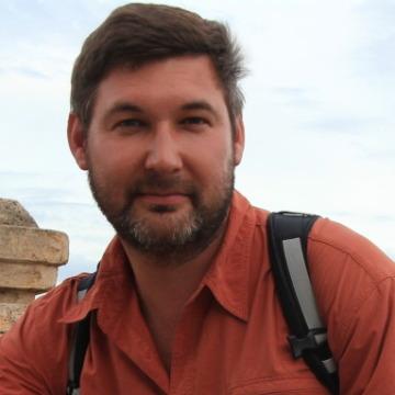 Mikhail Pavlov, 47, Paris, France