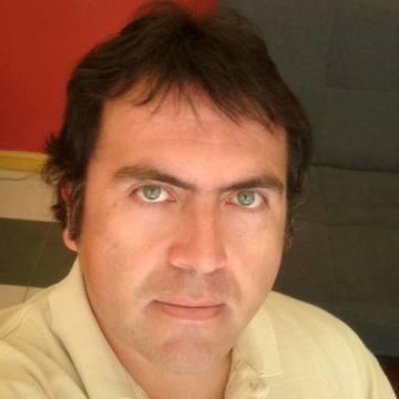 Cristian Olavarria Garin, 41, Santiago, Chile