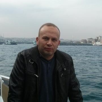 Tayfun, 43, Izmir, Turkey