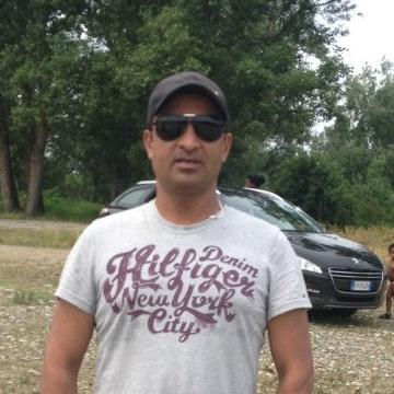 Tahir Mahmood, 39, Milano, Italy