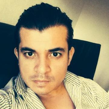 RObert, 30, Guadalajara, Mexico