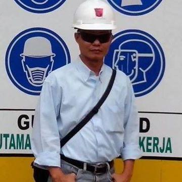 Harri Setia, 43, Bekasi, Indonesia