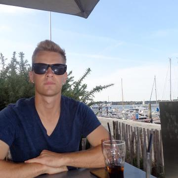 yohann, 26, Annecy, France