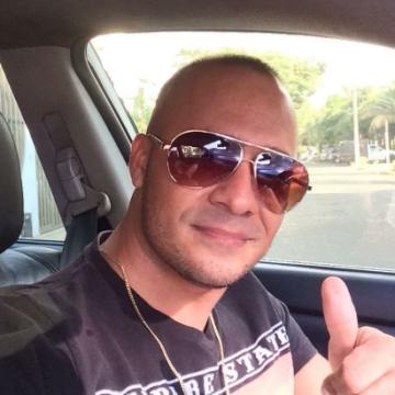JUAN CASTRO, 35, Cali, Colombia