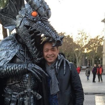 Yongxin Qiu, 40, Barcelona, Spain