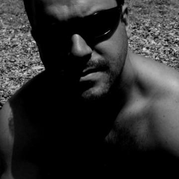 Alberto Ans, 37, Granada, Spain