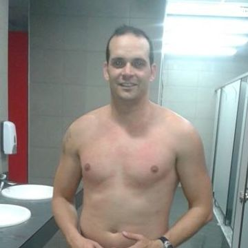 Oscar Espino, 39, Premia, Spain
