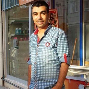Fikret Erat, 33, Istanbul, Turkey