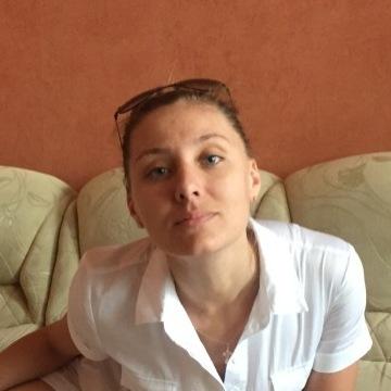 Sophia, 34,